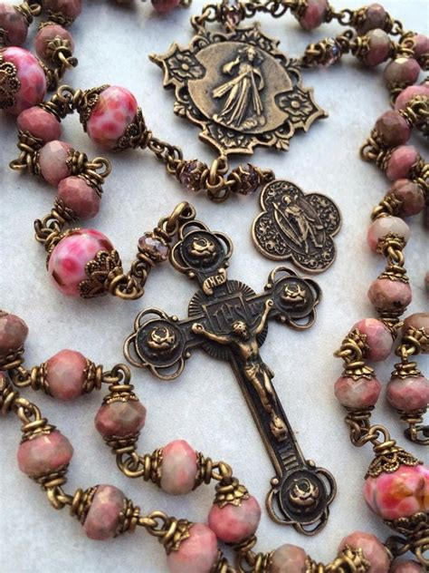 rosary bead prayers 25 best ideas about rosary on rosaries
