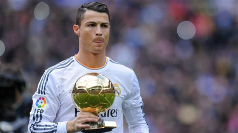 Kaos Christiano Ronaldo Cr7 Selebrasi ballon d or 2017 cristiano ronaldo says he is the best player in history goal