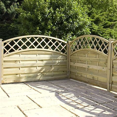 4ft Trellis Panels 4ft X 5 11 Waltons Pt Convex Horizontal Weave With