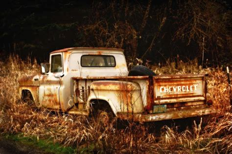 rusty pickup truck old rusty trucks for sale autos post
