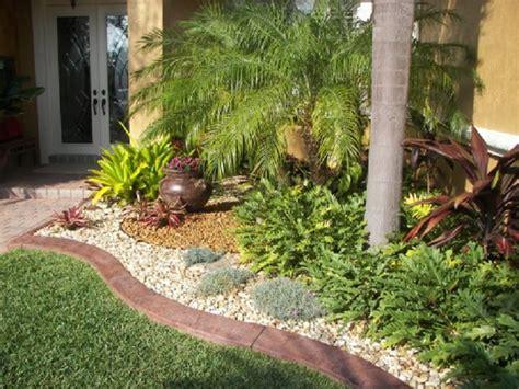 Contoh Dan Lu Taman 4 Inspirasi Taman Tropis Minimalis Di Rumah Rumah Dan