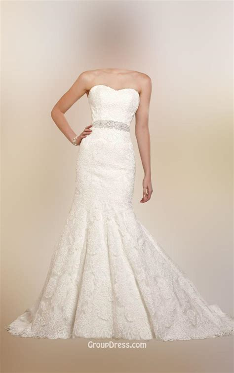trumpet strapless traditional wedding dress with off