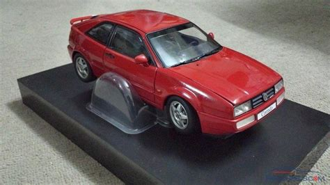 Mainan Mobil Die Cast 1 36 Vintage Car 1 18 scale revell die cast models vw volvo gogomobil