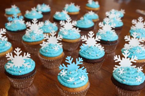 disney frozen cupcakes on pinterest disney frozen cupcakes frozen birthday party food