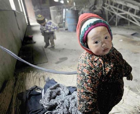 imagenes fuertes de niños maltratados varios ni 241 os chinos son atados con cuerdas mientras sus