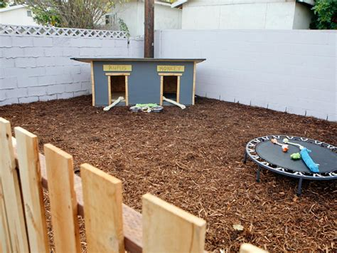 Backyard For Dogs Landscaping Ideas Backyard Pet Structures Backyard Chicken Coops And Houses Landscaping Ideas And