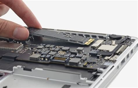 refreshed macbook pro s pcie 3 0 x4 storage system is blazing fast techspot