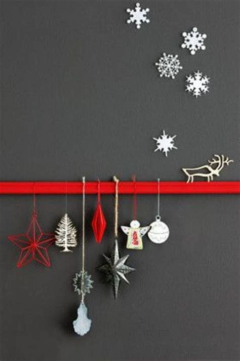 christmas wall decorating ideas 27 cozy red and grey christmas d 233 cor ideas digsdigs