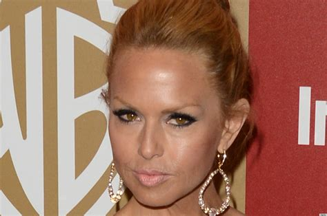 why does rachel ray not wear makeu or fix her hair rachel zoe golden globes makeup fail may just be the worst