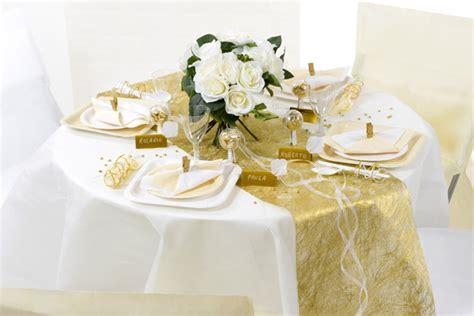 Deko Goldene Hochzeit by So Gelingt Die Perfekte Goldene Hochzeit