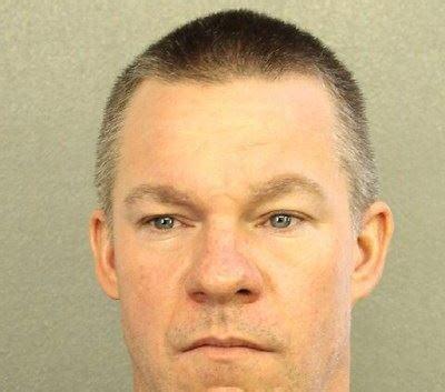 Broward Sheriff Arrest Records Broward Deputy Accused Of Shoplifting At Walmart 7 Times