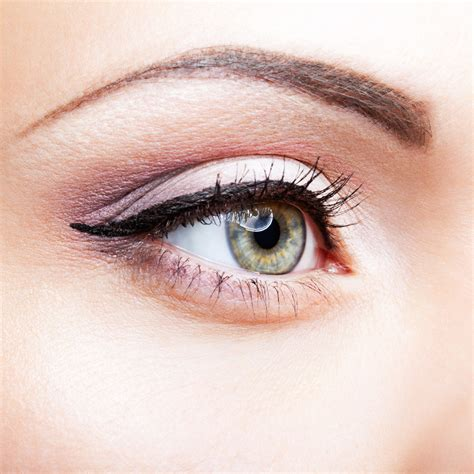 Eyeliner White white eyeliner a makeup pros secret weapon