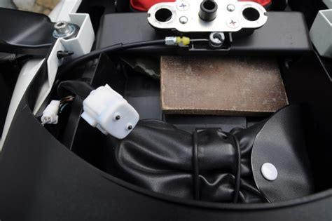 Suzuki Motorrad Diagnosestecker by V Stromforum De Thema Anzeigen Stecker Hinten Links In
