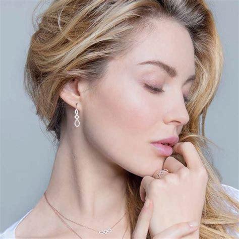 boucles d oreilles pendantes harmonie or blanc lore ocarat