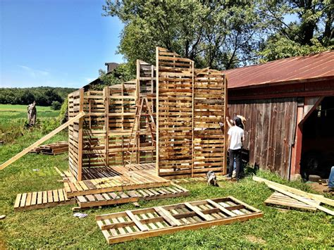 pallet houses tiny pallet house plans