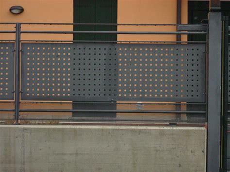 altezza ringhiera balcone ringhiere per balconi in alluminio parapetti balconi in