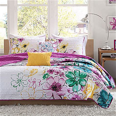 flower design quilt set jcpenney intelligent design ashley floral quilt set