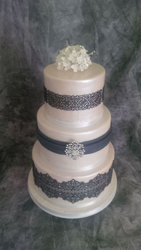 Wedding Cake Edible Lace by Three Tier Wedding Cake With Edible Lace Cakecentral