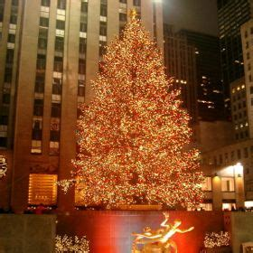 rockefeller center christmas tree almost destroyed by