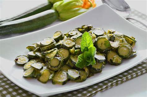 come cucinare le zucchine trifolate zucchine trifolate la ricetta della cucina imperfetta
