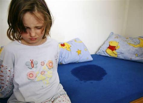 bambini pipi a letto la pip 236 a letto enuresi il portale sulla salute e sul
