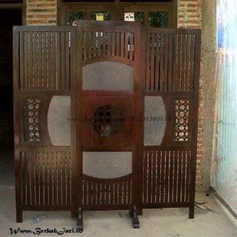 Partisi Jati Minimalis Sketsel Ruangan Interior Jepara sketsel jari jari kombinasi kaca berkah jati furniture