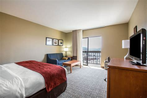 comfort inn suites gatlinburg tn comfort suites pigeon forge deals reviews pigeon forge