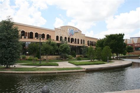 toby keith restaurant norman toby keith s quot i love this bar quot restaurant in oklahoma city