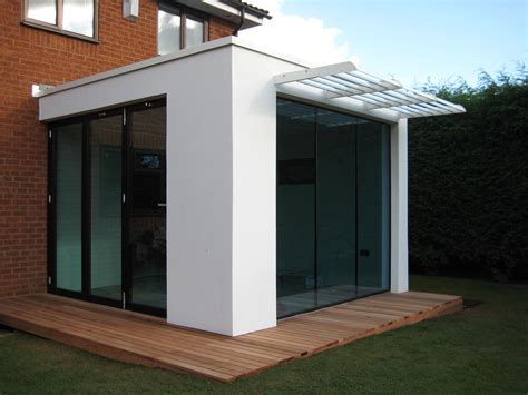 glass box modular house extension ? Nicolas Tye Architects