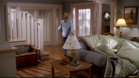 house desperate housewives photo 5853816 fanpop desperate housewives 1 08 guilty felicity huffman