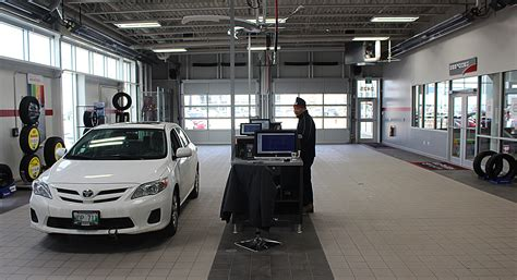 toyota phillip service winnipeg toyota service centre change mechanics