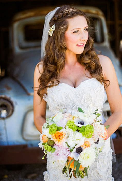 Wedding Hairstyles With Braids And Veil by Sidebraided Wedding Hairstyle A Side Braid Wedding