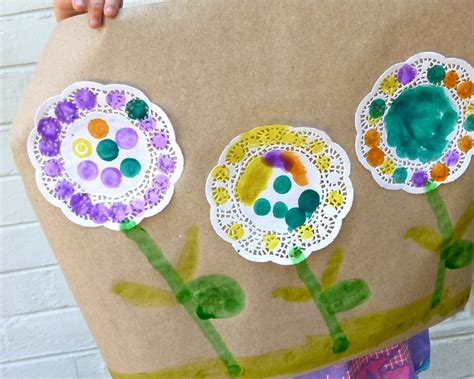 crafts using paper doilies 11 best images about flowers on mothers day