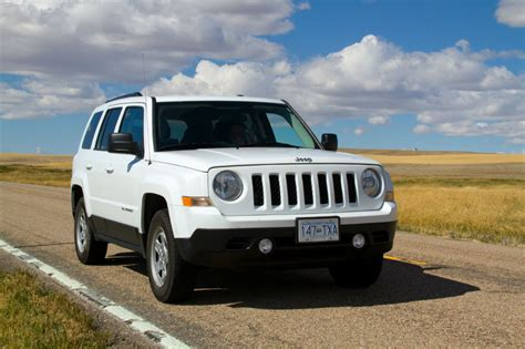 white jeep patriot 2014 2013 jeep patriot latitude towing capacity
