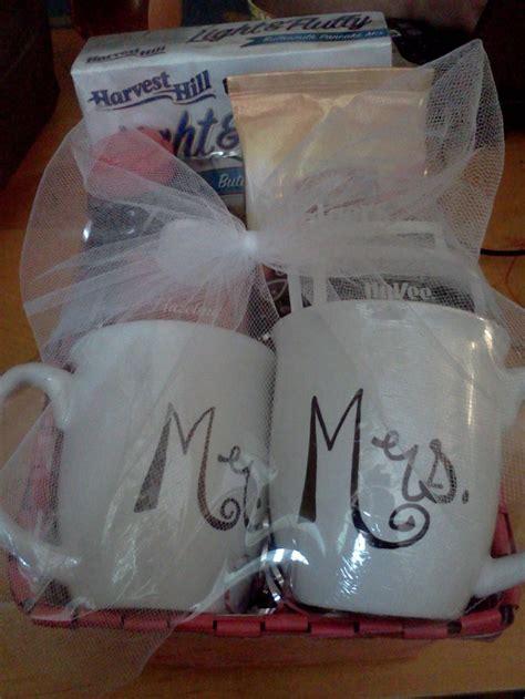 wedding shower gift ideas canada 56 best bridal gift baskets images on bridal