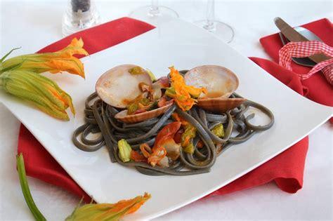 ricette primi piatti con fiori di zucca 187 spaghetti con fasolari e fiori di zucca ricetta