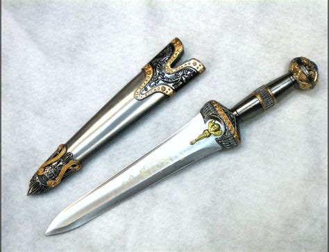 creek knives armour weapons swords spartan dagger