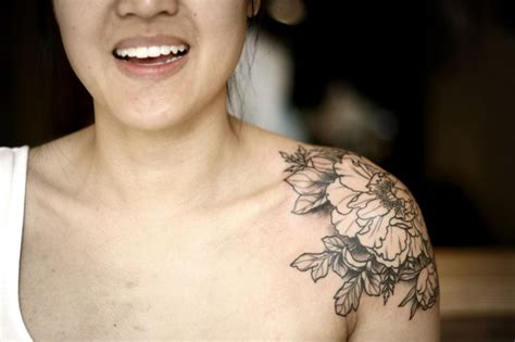 30 amazing shoulders peony tattoos