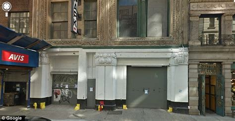 Garage Club Nyc by New York City Parking Spot Selling For 1 Million Daily