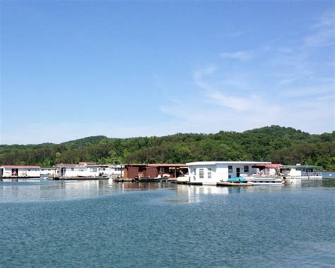 lake house rentals floating house rentals on norris lake norris lake tn