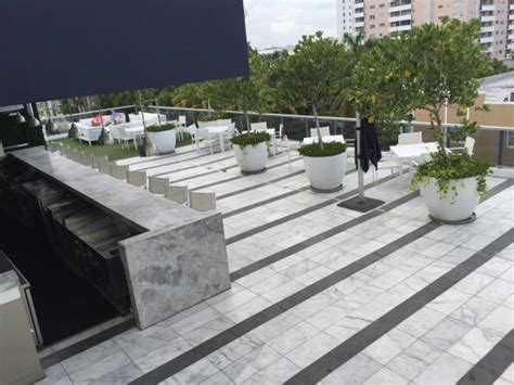 roof top patio and bar gale hotel south picture
