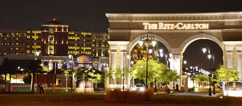 ritz carlton the club lounge level rooms at ritz carlton abu dhabi grand canal hotel why waste annual leave