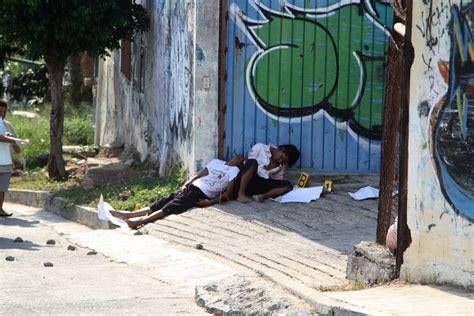 escuelas cierran por narcoviolencia en acapulco mientras astudillo se va  tianguis turistico