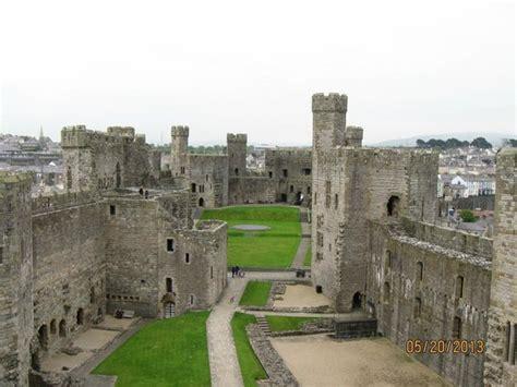 Caernarfon Castle Interior by Interior Picture Of Caernarfon Castle Caernarfon