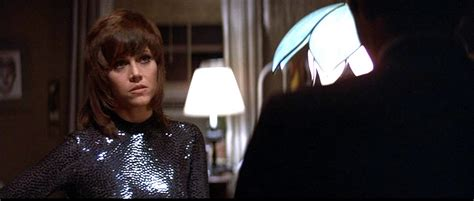 jane fonda in klute haircut zendaya just brought back the mullet on the grammys red carpet