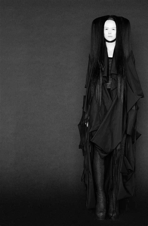 Avant-Garde Fashion: A Modern Definition - Barbara I Gongini