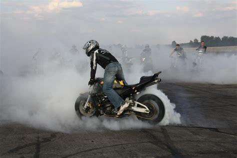 Motorrad Und Sport by Fighterama Motorrad Sport Tuning Messe Mit Stuntshow