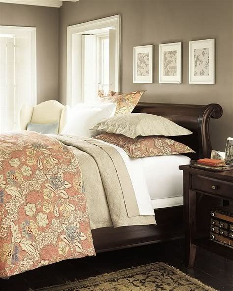 whats a good bedroom color 1000 ideas about dark furniture on pinterest furniture