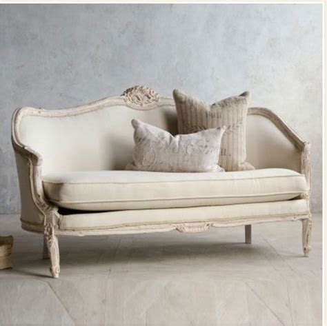 Shabby Chic Couches by Best 25 Shabby Chic Sofa Ideas On Shabby Chic