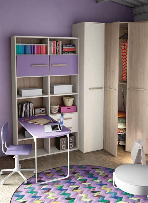 scrivania con libreria per cameretta cameretta con cabina armadio e un letto completa di zona
